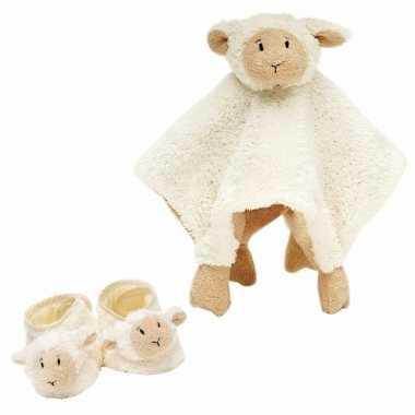 Baby cadeau setje slofjes tuttel doekje lammy lammetje kopen