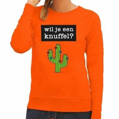 Wil je een knuffel fun sweater oranje dames kopen